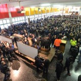 A Genova i lavoratori fermano la privatizzazione e danno il segnale: basta con le privatizzazioni, difendiamo i beni comuni